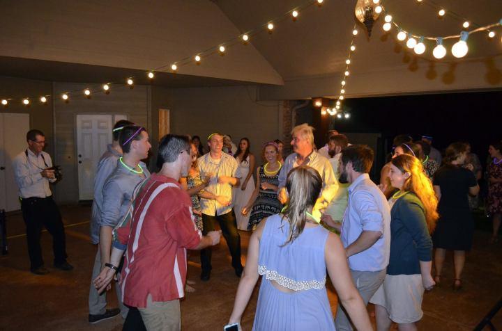 wedding-cousins-dance